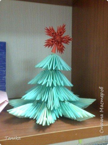"""Оригами модульное: Елочка из модулей  (коллективная работа 1 """"В"""")"""