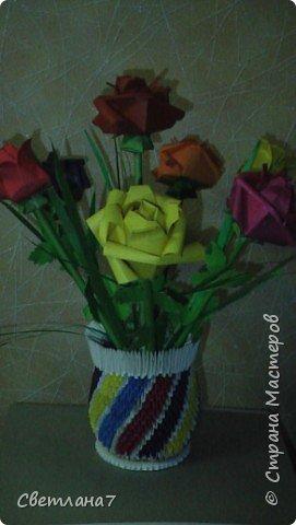 Оригами: Ваза с розами фото 1