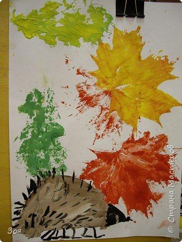 """Отпечатки листьев: """"Ежики идут спать..."""" фото 3"""