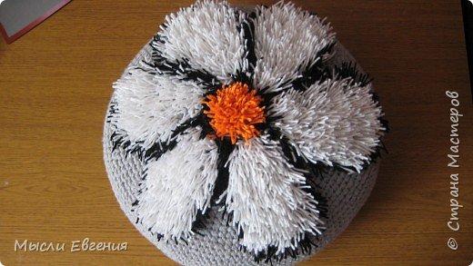Вязание крючком: лохматая подушка