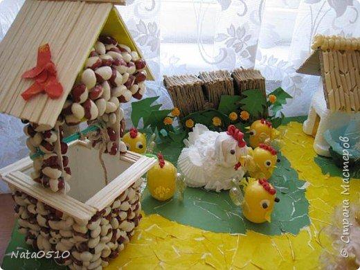 Я и дети младшей группы (совместное творчество), 15 мая 2009 года, принимали участие в конкурсе посвящённому международному дню семьи на тему: «Моя семья». Поделка была сделана из сбросового материала. фото 7
