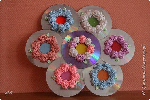 Лепка: Цветы из шарикого пластилина.