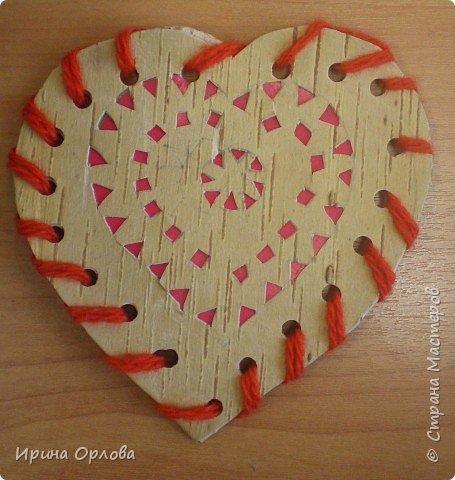 Вырезание: Сердечко из бересты.