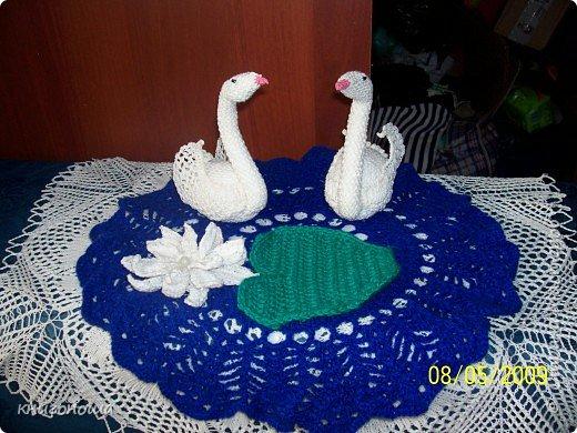 Вязание крючком: пара белых лебедей