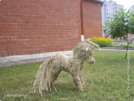 Животные из сена фото 2