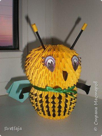 Оригами модульное: модульная пчела