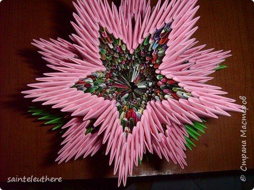 Оригами модульное: лилия на зеленом листочке фото 3