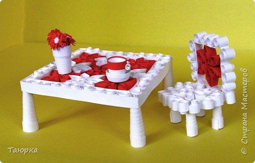 Игрушка Квиллинг Стол и стульчик Бумага