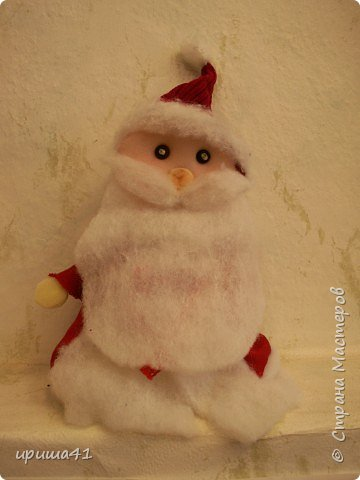 Игрушка мягкая: Дед-Мороз.