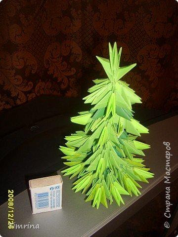 Оригами модульное: Елочка-красавица фото 1