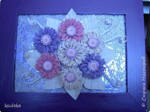 Квиллинг: Цветы и бабочка фото 1