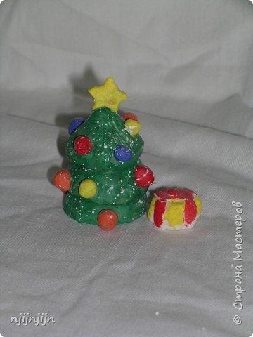 Елочку с подарком делали к Новому году. фото 1