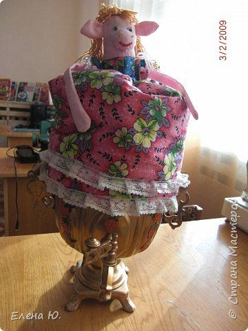 Игрушка мягкая: куклы на чайник фото 1