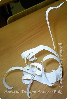 Лебеди из бумажной полоски фото 2