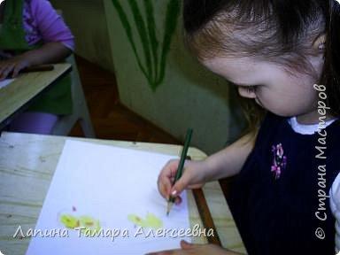 Викуля нарисовала цыпленка и утенка. А где кто догадайтесь сами. фото 6
