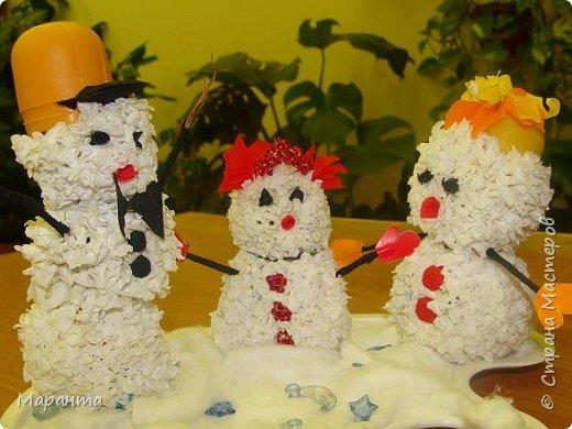 Торцевание на пластилине: Снеговички