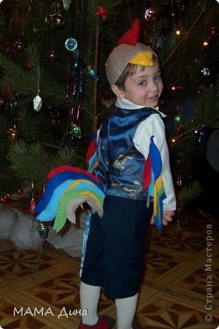 Это мой сынок Глеб, в костюме петушка. фото 1