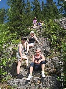 Прошлым летом мы всей семьей ездили на Говорливый камень. Устроили себе поход выходного дня. Расстояние от Чердыни 100 километров на машине.  фото 10