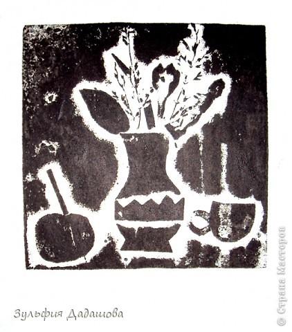 Детям нравится эта техника. Работы мы делаем небольшие - 1/4 или 1/2 формата А4. Печатаем на белой или тонированной бумаге, также можно делать подцветку акварельными красками. Работы детей 8 -10 лет. фото 5