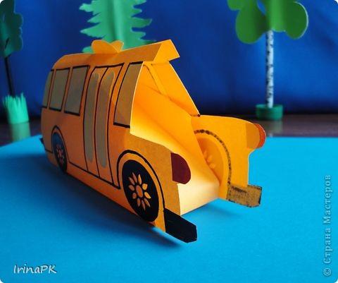 Такие автобусы и машинки собираемся делать с детьми. Их можно использовать как коробочки (положить что-нибудь внутрь), а можно просто играть, изучать правила дорожного движения. фото 3