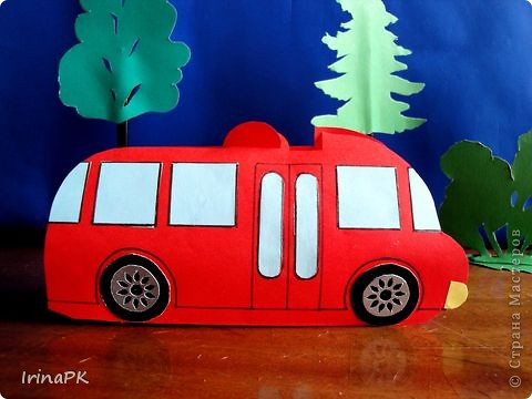 Такие автобусы и машинки собираемся делать с детьми. Их можно использовать как коробочки (положить что-нибудь внутрь), а можно просто играть, изучать правила дорожного движения. фото 6