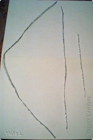 На эту работу нас вдохновила виноградная лоза в блоге Лика2010 https://stranamasterov.ru/node/58628. Нам с дочкой улыбнулась удача - мы купили готовый набор Josephin и приступили к работе. По ходу выполнения фотографировала этапы, которые и предлагаю вашему вниманию. Вам потребуется: фольга, ножницы, бумажные салфетки, линейка, терпение и хорошее настроение.      фото 4