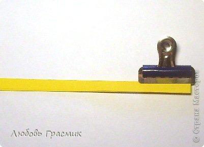 Сегодня училась резать бахрому для цветов. Собрала все идеи в кучу и решила, что для меня так удобнее. Оптимально 5 листов за раз, полоски могут быть разной ширины. Зажимы передвигать по мере надобности. Ножницы любые острые, линейка ограничивает разрез, поэтому режем серединой лезвия ножниц фото 7