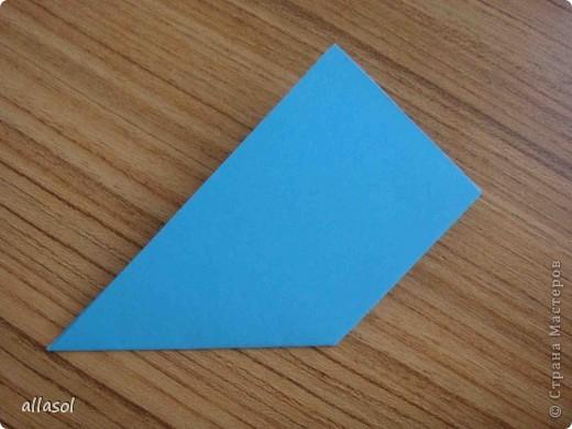 """На кружке с делающими первые шаги в оригами, изучали базовую форму """"треугольник"""". Тренировались на самых простых моделях. Но потом порадовали себя звездочкой. фото 5"""