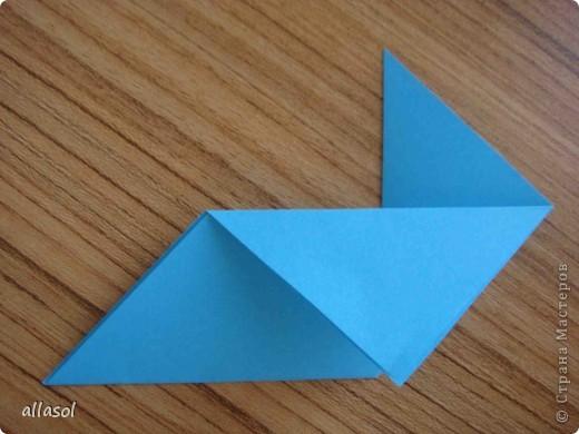 """На кружке с делающими первые шаги в оригами, изучали базовую форму """"треугольник"""". Тренировались на самых простых моделях. Но потом порадовали себя звездочкой. фото 6"""