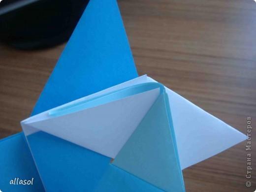 """На кружке с делающими первые шаги в оригами, изучали базовую форму """"треугольник"""". Тренировались на самых простых моделях. Но потом порадовали себя звездочкой. фото 16"""