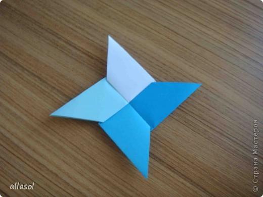 """На кружке с делающими первые шаги в оригами, изучали базовую форму """"треугольник"""". Тренировались на самых простых моделях. Но потом порадовали себя звездочкой. фото 20"""