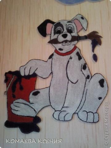 так я оформила одну из стен в раздевалке для выставки детских работ фото 2