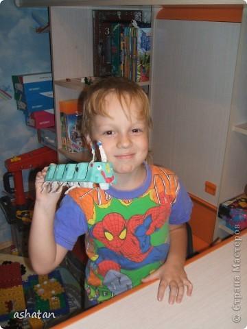 Поделки моего сыночка: Гусеничка-многоножка фото 1