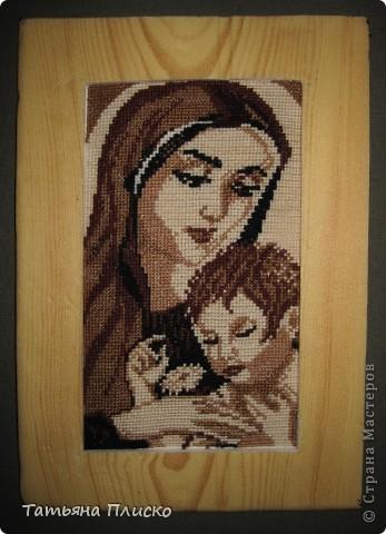 Эту картину я вышила в подарок своей любимой мамочке, надеюсь ей понравится моя работа...