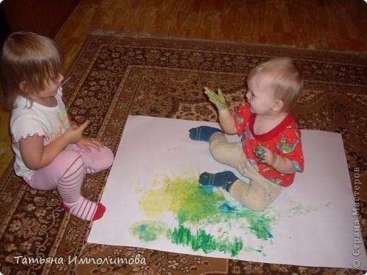 Пока мама была занята,София(2,9) налепила забавных мультяшек,знакомтесь,это Нюша,почему их две не ответила фото 8