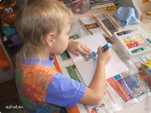 Самостоятельная работa.   Материалы: витражные краски в тюбиках, витражная основа  фото 3