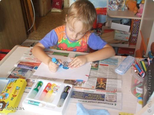Самостоятельная работa.   Материалы: витражные краски в тюбиках, витражная основа  фото 4
