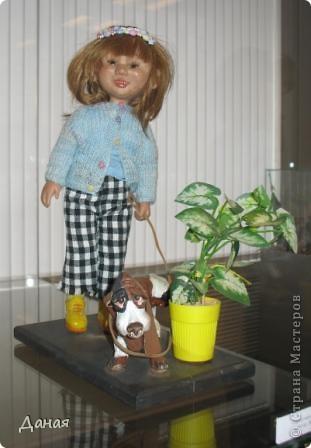 В наши дни увлечение куклами стало массовым. Свой музей куклы есть, пожалуй, во всех крупных городах. Я приглашаю вас в Магнитогорскую картинную галерею, где проходила выставка кукол, принадлежащих челябинскому коллекционеру Марине Комендандт. Выставка побывала более чем в 50 городах России и Европы. В экспозиции представлено около 300 игрушек - куклы, плюшевые звери, игрушечная утварь, развивающие игры и многое другое.  Впрочем, смотрите, и увидите все сами. фото 25