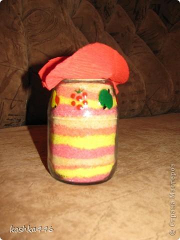 Насыпалась у меня вот такая малышка в ковбойской шляпе:) Делалась она с целью утилизации соли, оставшейся от первой насыпушки. В итоге утилизации не получилось - соль, пусть немного, но осталась. фото 2