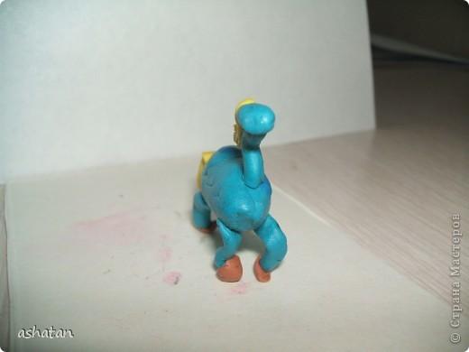 Эти работы сынишка делал сам - меня даже в комнате не было     Машинка - аппликация   Материал: цветная бумага, ножницы, клей-карандаш   Выполнено 12.12.2010г.  фото 11