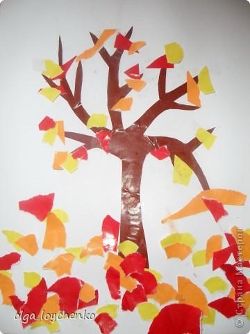 """Моему сыночку Матвейке 3 г и 8 мес, вот так мы пытаемся разнообразить наш досуг  Такой мы увидели осень...Ствол дерева вырезала я, Матвей все наклеивал и """"заготовил"""" листики фото 1"""