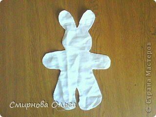 Вот такой заяц-ниндзя  получился. Ткань, тесьма,нитки. И чуть-чуть фантазии. фото 2