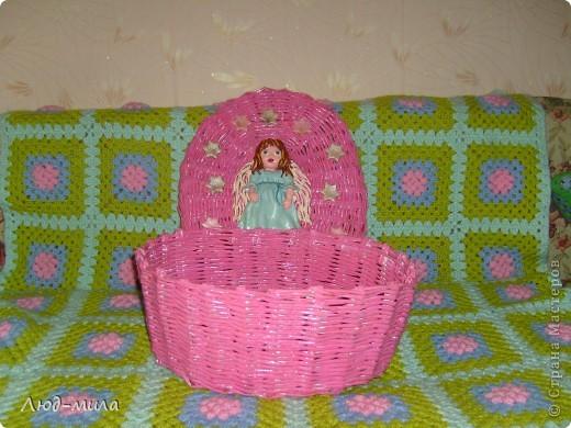 Корзинку делала в подарок на крещение племяннице. Хотела совместить плетение и свое любимое соленое тесто. Вот что получилось. Спасибо Ларисе Ивановой за МК ангелов.  фото 3