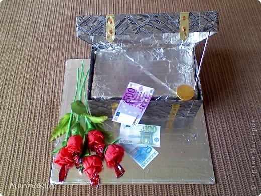 """Очередной заказ подарка на день рождения решила выполнить в таком виде :)  Когда сундучок был готов, сама по себе напрашивалась фраза """"Всё, что нажито непосильным трудом"""" :))  фото 12"""