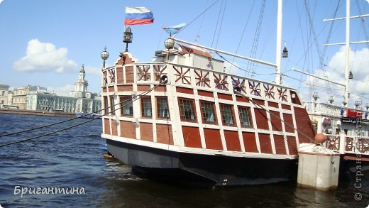 В этом фоторепортаже я решила разместить самые удачные фото речного и морского транспорта. фото 1