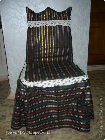 """Вот, сшила недавно в сад чехол на стул для именинника. Материал собирали, что называется, """"с миру по нитке"""". 3 часа работы - и вот что получилось. Может быть, как идея, кому-нибудь пригодится. фото 1"""