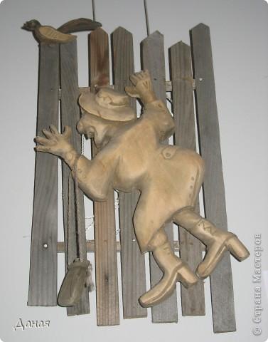 """Фотографии сделаны 12.10.2010 в Магнитогорской картинной галерее, где в эти дни проходит выставка творчества самодеятельных  художников.  Середкин М.С. Панно """"Кризиса мы не боимся"""" фото 6"""
