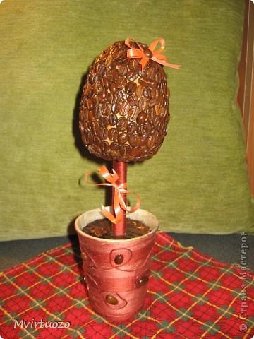 Вот и я, путем проб и ошибок, делок и переделок, создала свое первое деревце - кофейное. :) фото 1