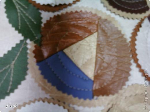 Панно из кусочков кожи. фото 4