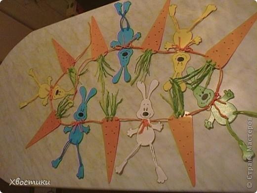 Задобрим символ Нового года - ЗАЙЦА? Какой же заяц не мечтает о морковке? А лучше о морковке размером с самого зайца? Воплотим его мечту в жизнь, а заодно и украсим свой дом весёлой гирляндой!!! фото 29
